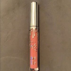 Kylie matte liquid lipstick color Angel